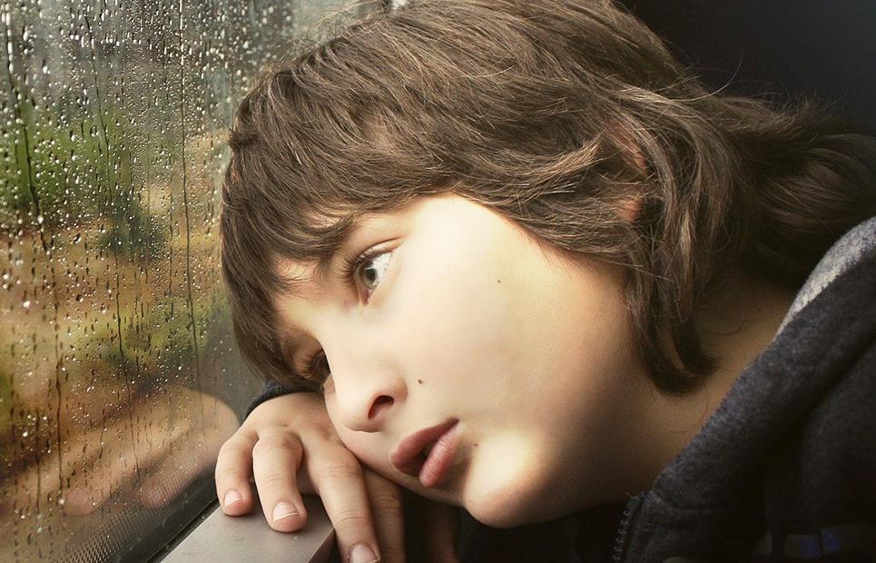Trauriger Junge